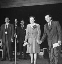 Harlow Wilcox (L) with Marian and Jim Jordan (R) Fibber McGee and Molly