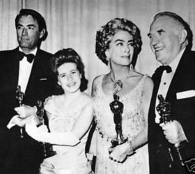 Ed Begley Sr (R) with fellow Oscar Winners, Gregory Peck, Patty Duke and Joan Crawford (holding Ann Bancroft's Oscar)