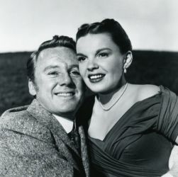 Van Johnson and Judy Garland (In The Good Old Summertime 1949)