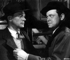 Joseph Cotten (L) with Orson Welles (The Third Man)